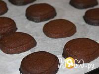 Приготовление шоколадного печенья с чесноком: шаг 7