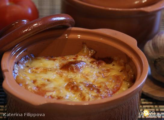 Жаркое в горшочке по-домашнему с сырной шапочкой