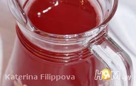 Клубнично-малиновый напиток с базиликом