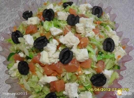 Салат с семгой и сыром