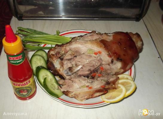 Свиная рулька, запеченная в фольге