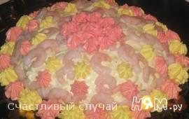 Салат-торт с креветками и ананасами