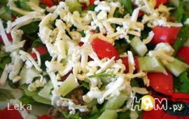 Салат с тунцом и сыром фета
