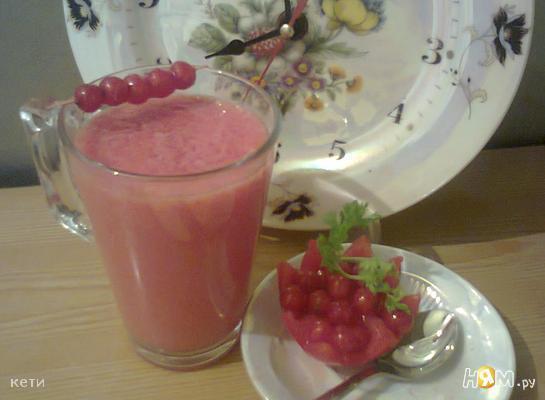 Smuzi_s_pomidorom_i_smorodinoi