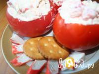 Приготовление пикантных помидорчиков с крабами: шаг 3