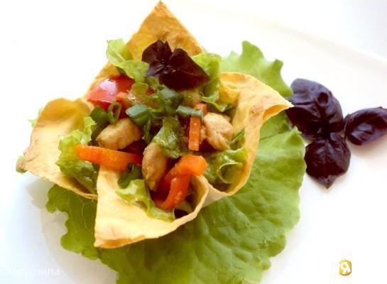 Рецепт Салат с курицей в апельсиновом соусе