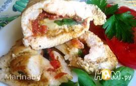 Куриная грудка с томатом и базиликом