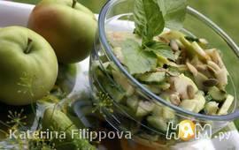 Огуречно-яблочный салат