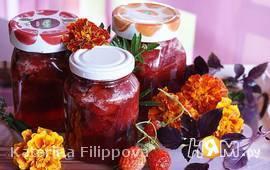 Клубничное варенье с базиликом и мятой