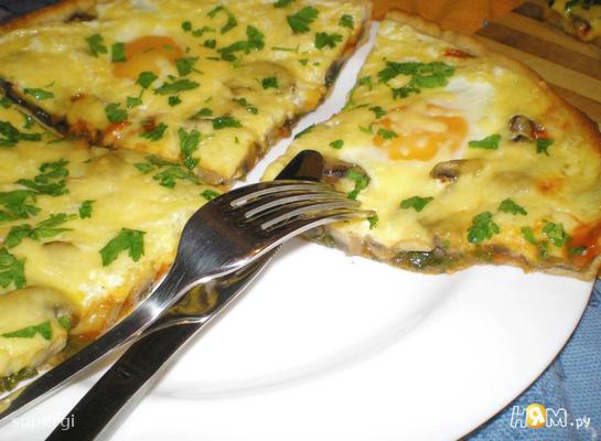 Флорентийская пицца со шпинатом и грибами