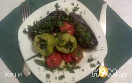 Баклажаны и перец болгарский, начиненные  зеленью