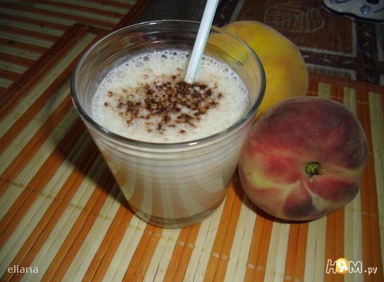 Молочно-персиковый коктейль