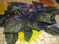 Приготовление закуски из арбуза с фетой и базиликом: шаг 3