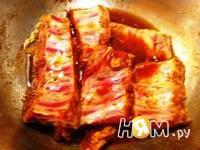 Приготовление свиных ребрышек с медом: шаг 3