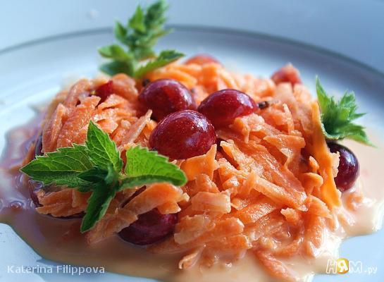 Рецепт Салат из моркови с крыжовником и медом