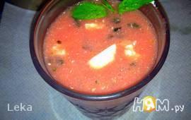 Холодный арбузный суп с сыром фета