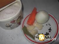 Приготовление запеченной рульки с овощами: шаг 2