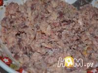 Приготовление салата с консервированной рыбой: шаг 1