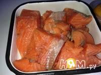 Приготовление тартара из слабосоленого лосося: шаг 1