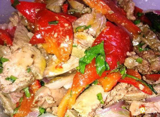 Рецепт Теплый салат с печенью и запеченным перцем