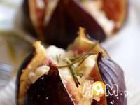 Приготовление инжира, запеченного с фетой и медом: шаг 4