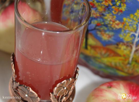 Рецепт Медовуха с черной смородиной и яблочным соком