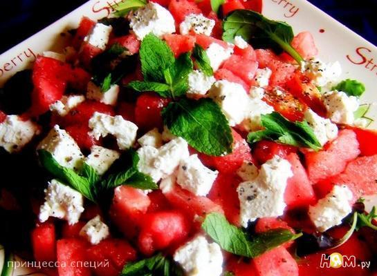 Рецепт Салат с арбузом,черри,брынзой и мятой.