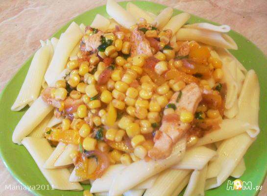 Макароны с курицей и кукурузой