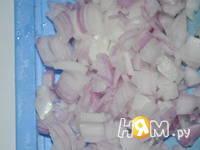 Приготовление салата с фасолью и крабовыми палочками: шаг 4