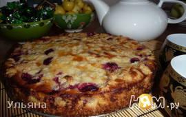 Пирог с молочной начинкой и вишнями