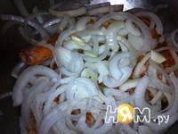 Приготовление тушеной курицей с овощной подливкой: шаг 5
