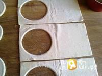 Приготовление слоеных пирожных с инжиром и персиками: шаг 3