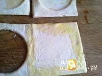 Приготовление слоеных пирожных с инжиром и персиками: шаг 4