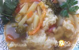 Суп с брокколи и сырными клецками