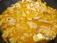 Приготовление курицы тушеной с морковью в бульоне: шаг 6