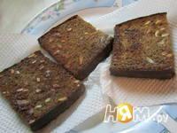 Приготовление бутербродов с печенью минтая: шаг 6