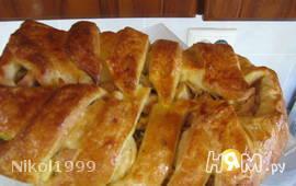 Пирог с мясом и картошкой (из слоеного теста)