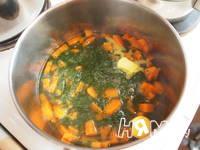 Приготовление супа-пюре из моркови и шпината: шаг 3