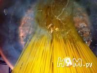Приготовление спагетти с морепродуктами и яйцом: шаг 5