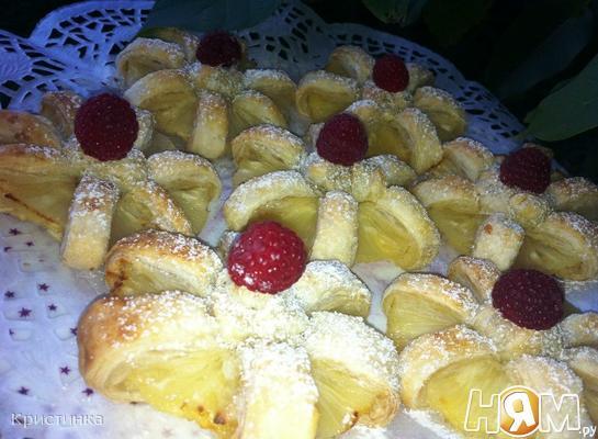 Рецепт Слоеное печенье с ананасом и малиной