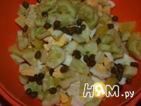 Приготовление салата с треской: шаг 6