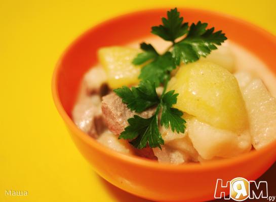 Отварное мясо с тушеным картофелем