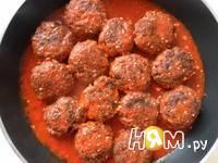 Приготовление мясных тефтелей в соусе: шаг 23