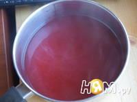 Приготовление напитка из калины с мятой и медом: шаг 5