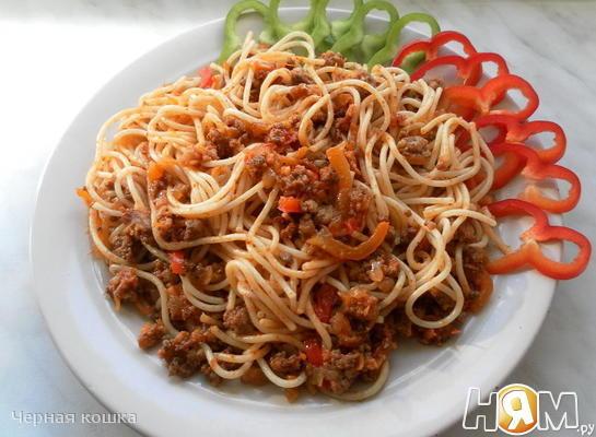 Спагетти с фаршем и овощами