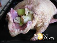 Приготовление утки с яблоками: шаг 3