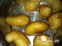 Приготовление  картошки с кунжутом и соусом: шаг 1
