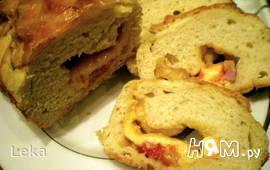 Хлеб с начинкой из бекона и перца