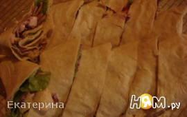 Рулет с овощами и копченой грудинкой