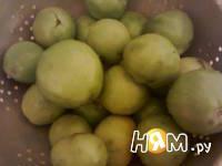 Приготовление салата из зеленых помидоров со специями: шаг 1